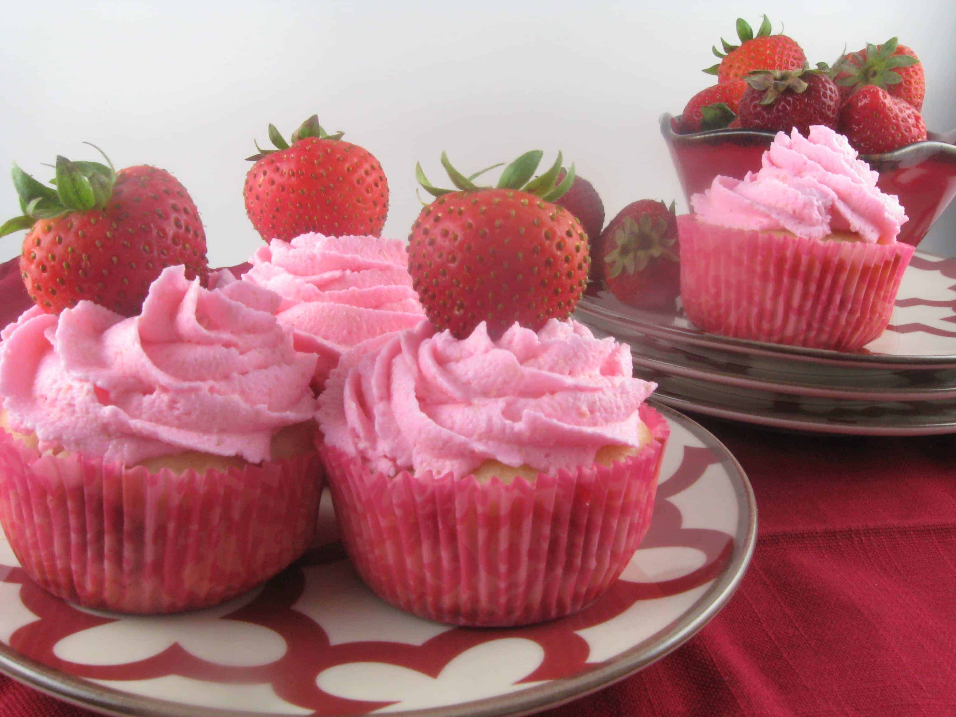 Strawberry Milk-Cakes