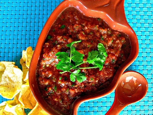 {Super Easy} Homemade Salsa