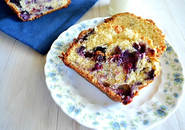 White Chocolate Blueberry Crunch Bread