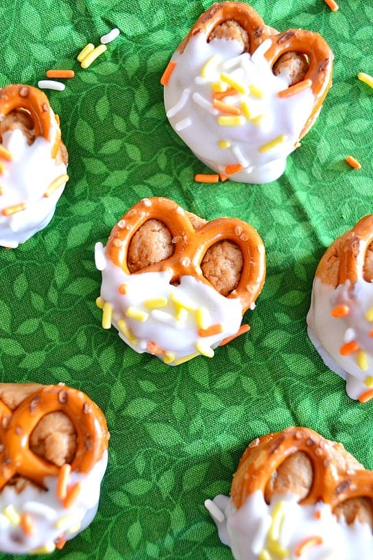 biscoff cheesecake pretzel bites print ingredients ½ package biscoff ...