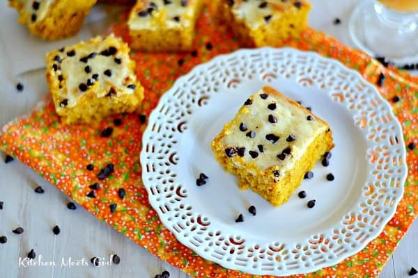 Pumpkin Cream Cheese Swirl Bars