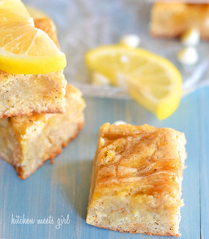 Super easy lemon bars--the white chocolate in the base is the perfect balance for the tangy lemon curd.  #desserts #recipe #lemon