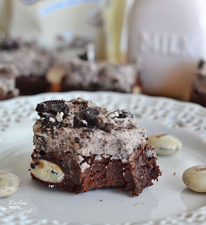 Cookies and Cream Fudge Brownies at www.kitchenmeetsgirl.com - if you use only one base brownie recipe in your life, use this one! #recipes #brownies