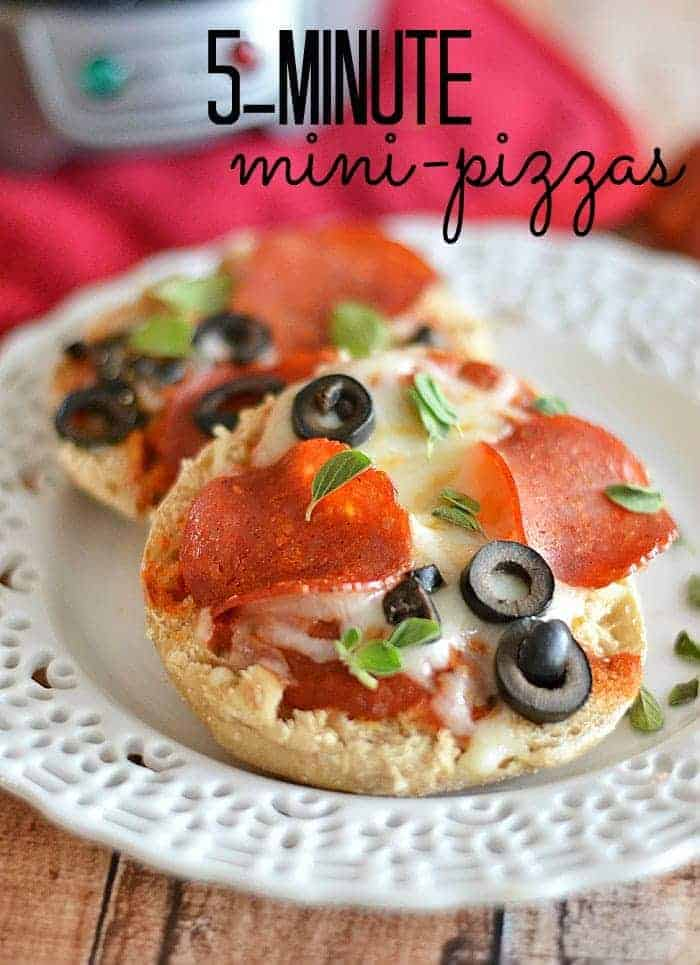 5-minute-mini-pizzas-PM