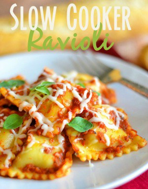 Three ingredients and the slow cooker, and you've got dinner DONE!  Try this slow cooker Ravioli from www,kitchenmeetsgirl.com