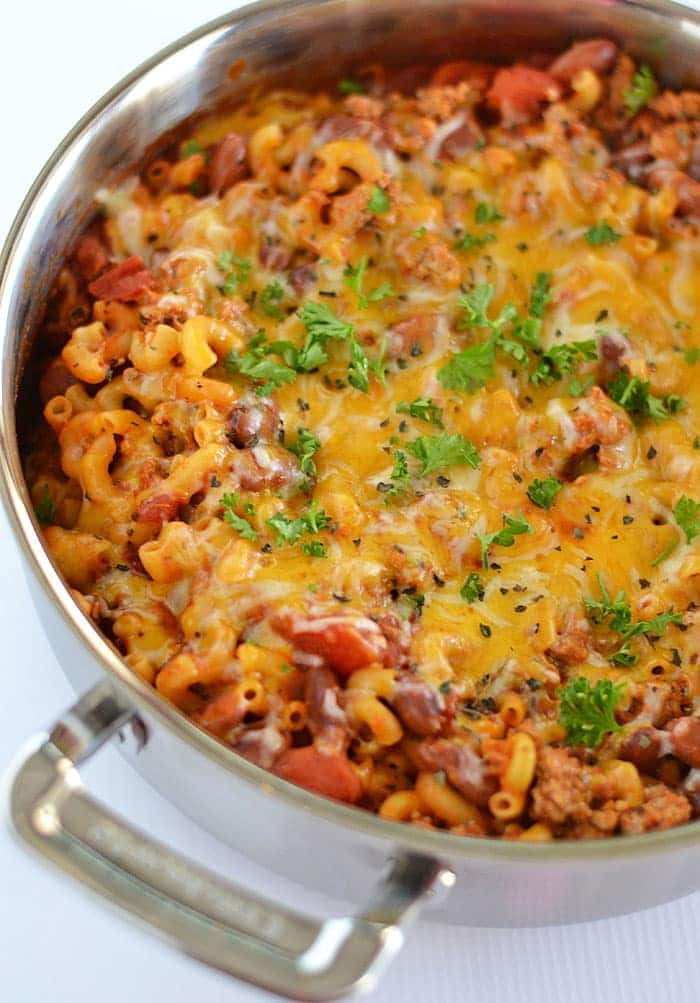 This super quick Easy Cheesy Turkey Chili Mac comes together in 30 minutes with the help of Ragú Traditional Sauce.