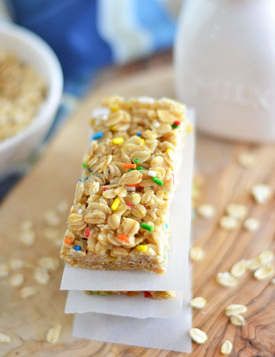 Forget those boxed bars and make your own - these Funfetti Granola Bars are a fun twist on boring old granola!